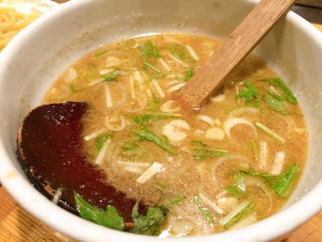 濃厚醤油青じそつけ麺のスープの画像